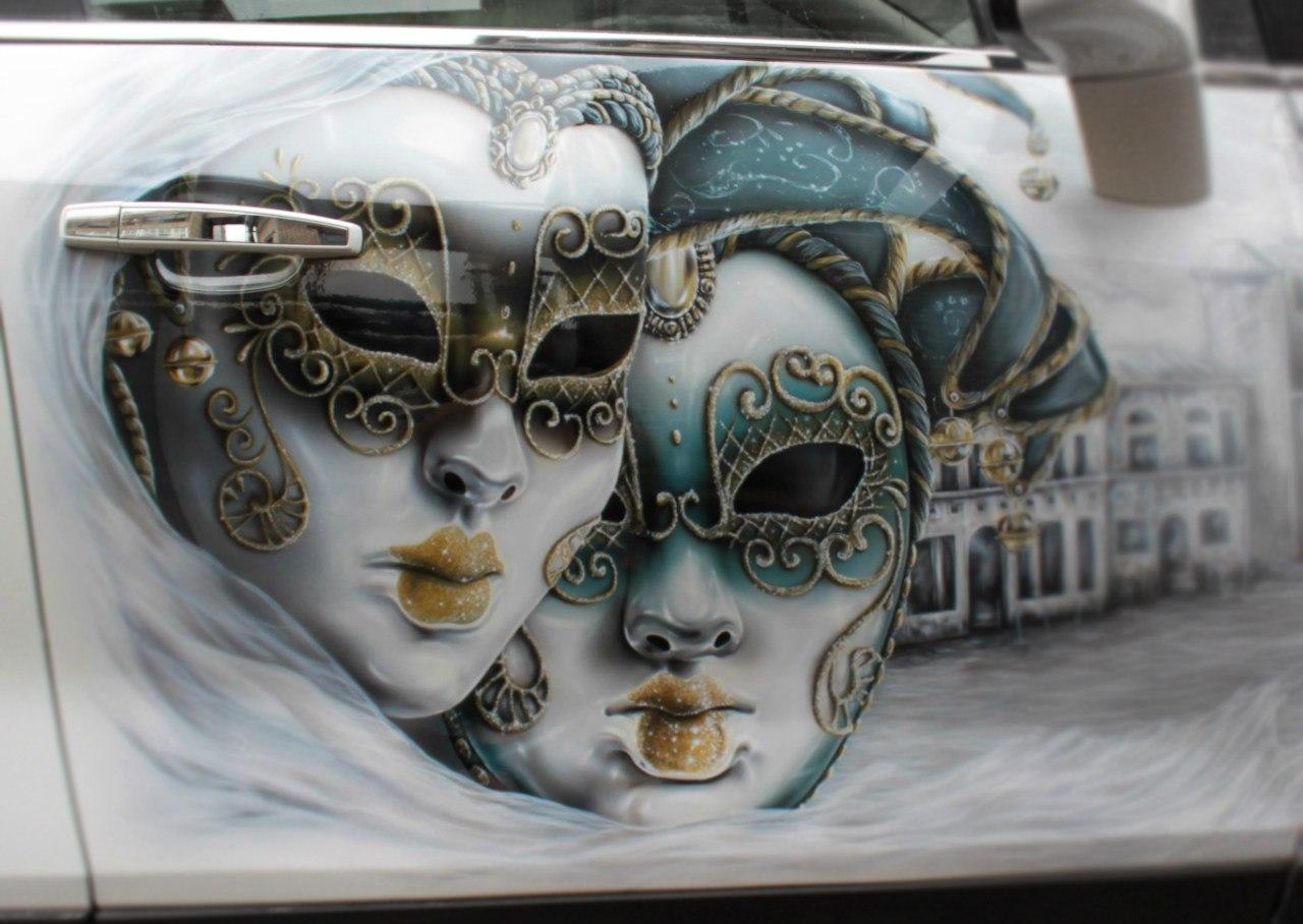 Венецианские маски на Opel Mokka