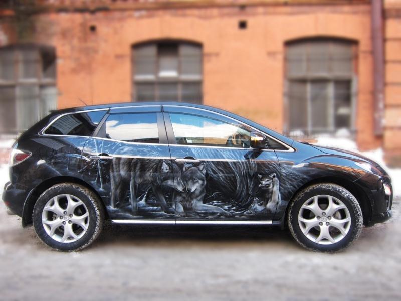 Аэрография Волки на Mazda